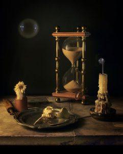 Vanitas Hourglass