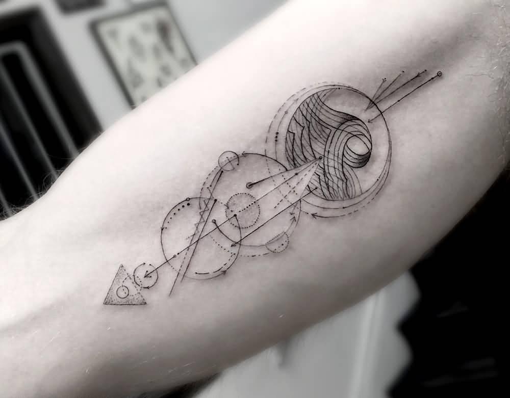 Abstract Arrow Tattoo